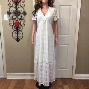 Kimchi Blue ivory lace crochet maxi dress